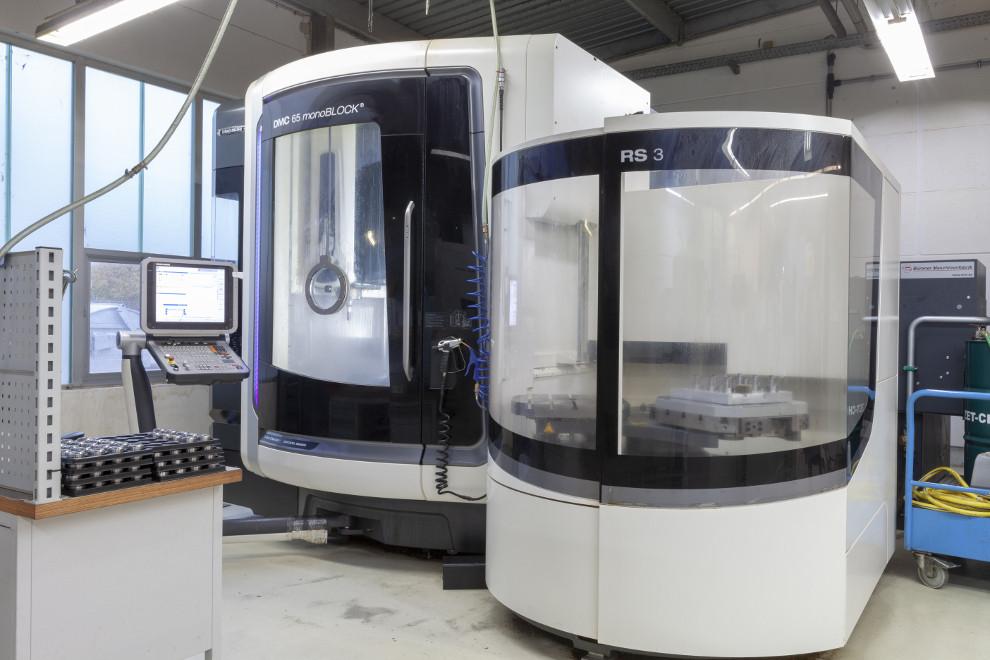Produktion der AWB Anlagen- und Werkzeugbau GmbH & Co. KG