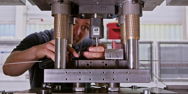 Thumbnail Video: Demonstrator für Digitalisierung in der Umformtechnik