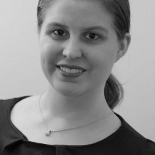 Annika Selzer